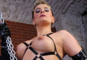 HerrinLuna - fetisch sex cams